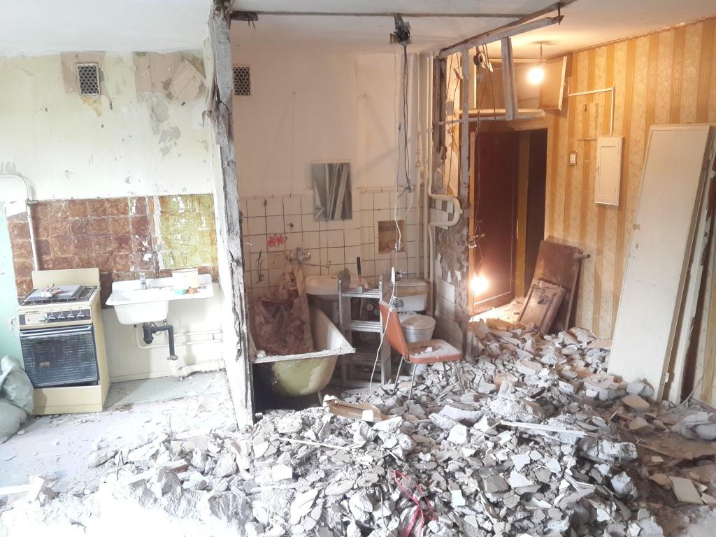 Демонтаж старых квартир - кп ремонт.